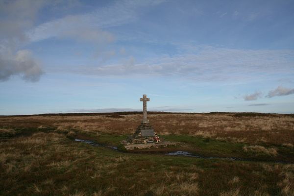 Memorial cross south of Buckden Pike trig point